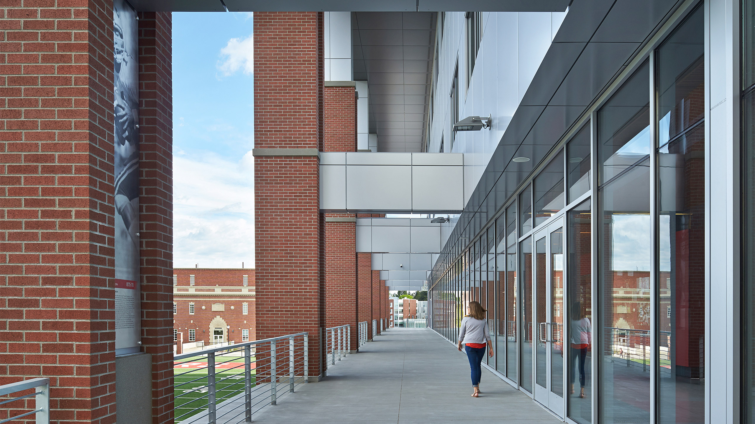 ALSC Architects WSUFootball ExtWalkway
